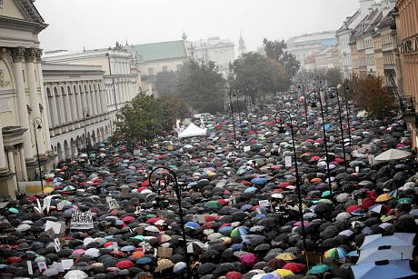protest-in-varsovia-2