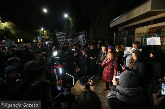 z20834007q-czarny-protest-pod-domem-jaroslawa-kaczynskiego