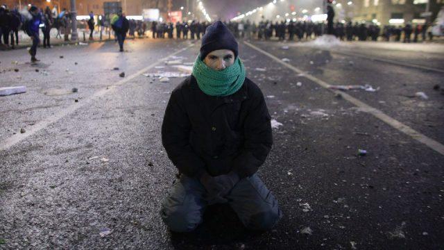 170202_piata_victoriei_protest_violente_03_inquam_octav_ganeaedit-960x540