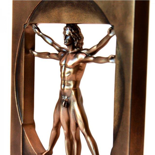 statueta vitruviana